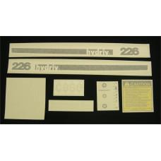 Case 226 Vinyl Cut Decal Set (GC355S )