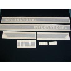 Farmall 786 (black stripe) stripes & model number only Vinyl Cut Decal Set (VI195)