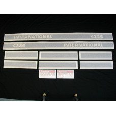 Farmall 4386 (black stripe) stripes & model only Vinyl Cut Decal Set (VI2001)